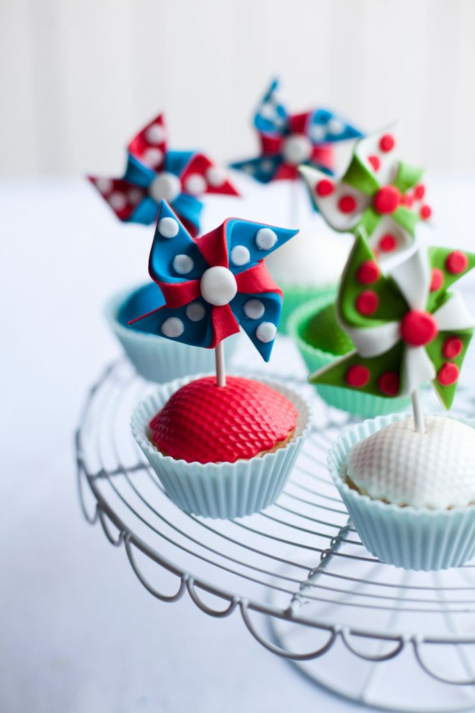 pinwheel cup cakes, sharon hearne-smith