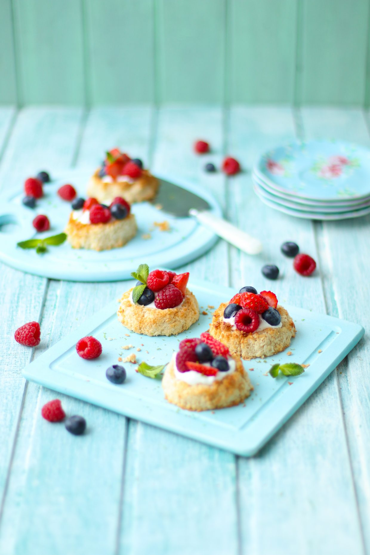 Coconut and lime macaroon berry nests